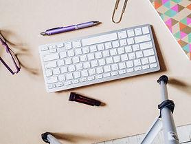 createherstock-2015-Feminine-Desk-Space-