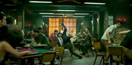 shang-chi-trailer-mandarin-fighting-with