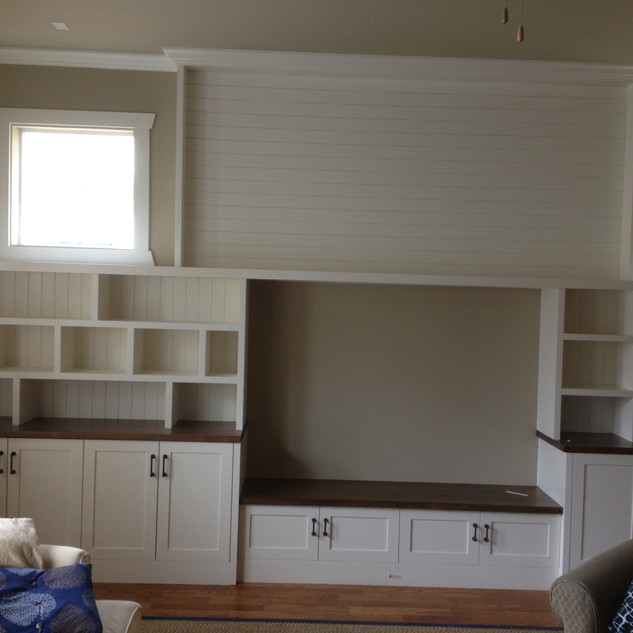 Wall built in with bench and storage