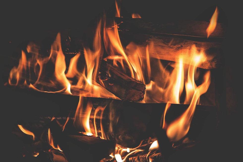 fire-3792951_1920-01.jpg