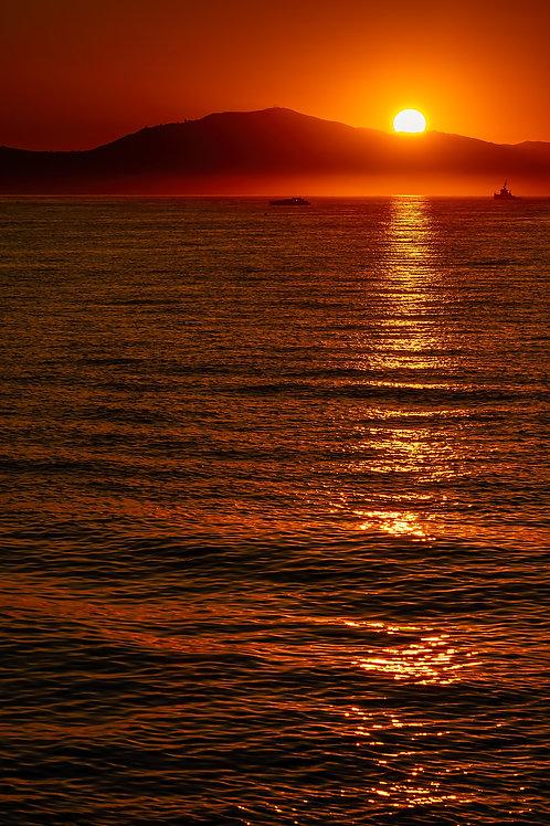 Sunrise - Vertical frame