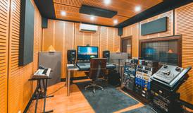 2018 09 20 Wagwurst Studios JPG-1.jpg