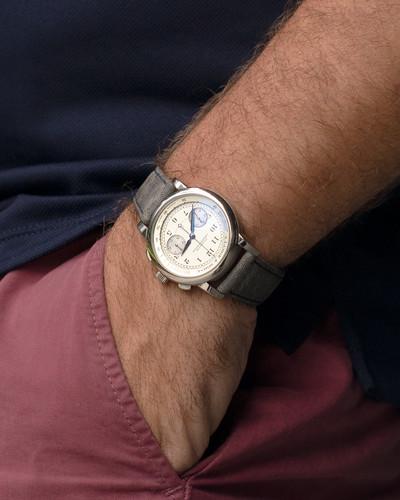 wrist outdoor.jpg