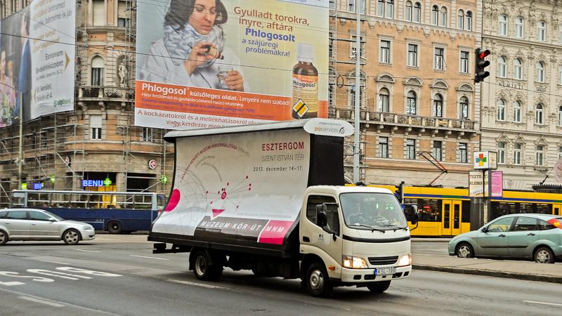 Mobil óriásplakát