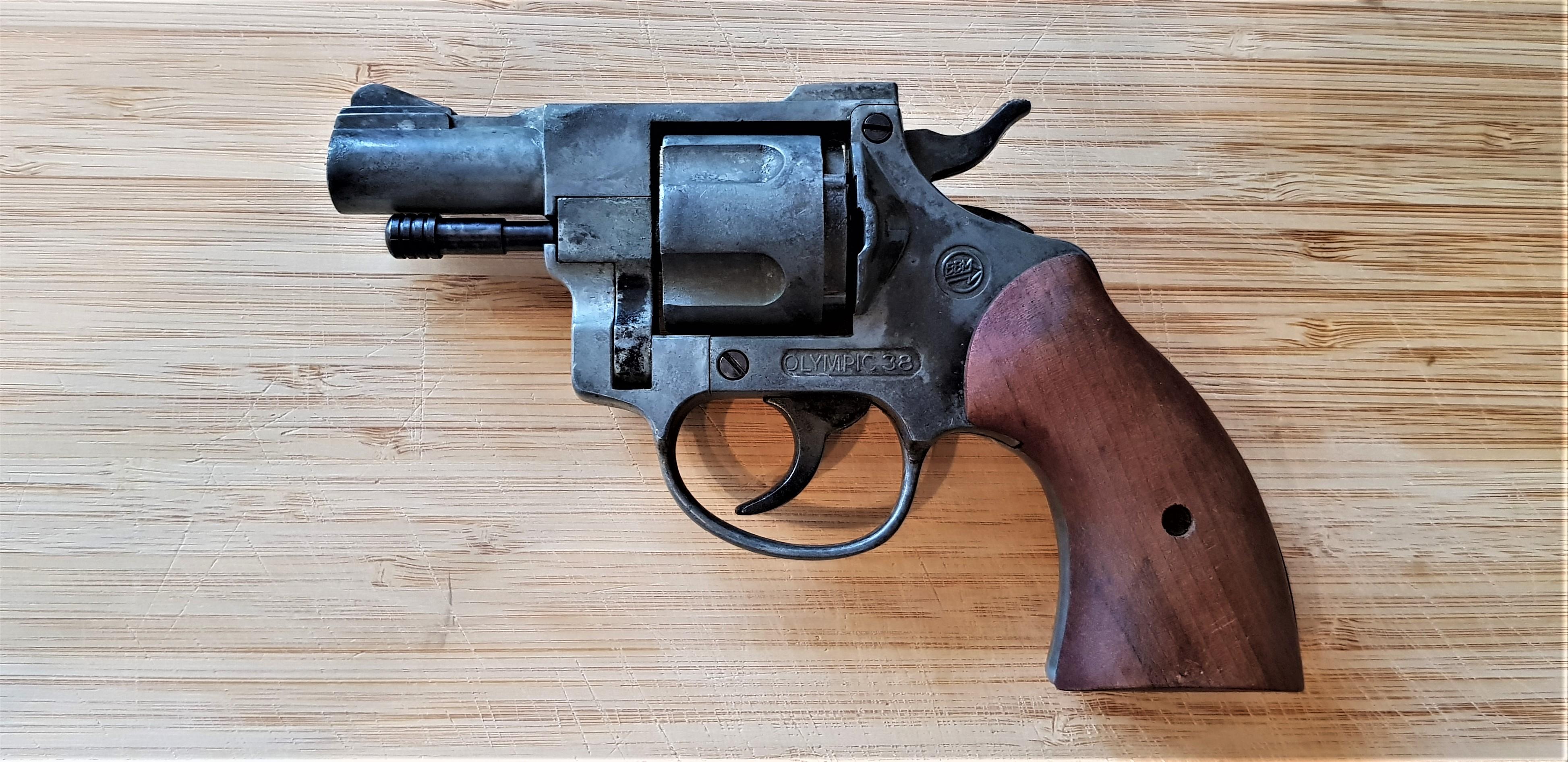 Snubby Revolver - Blank Fire