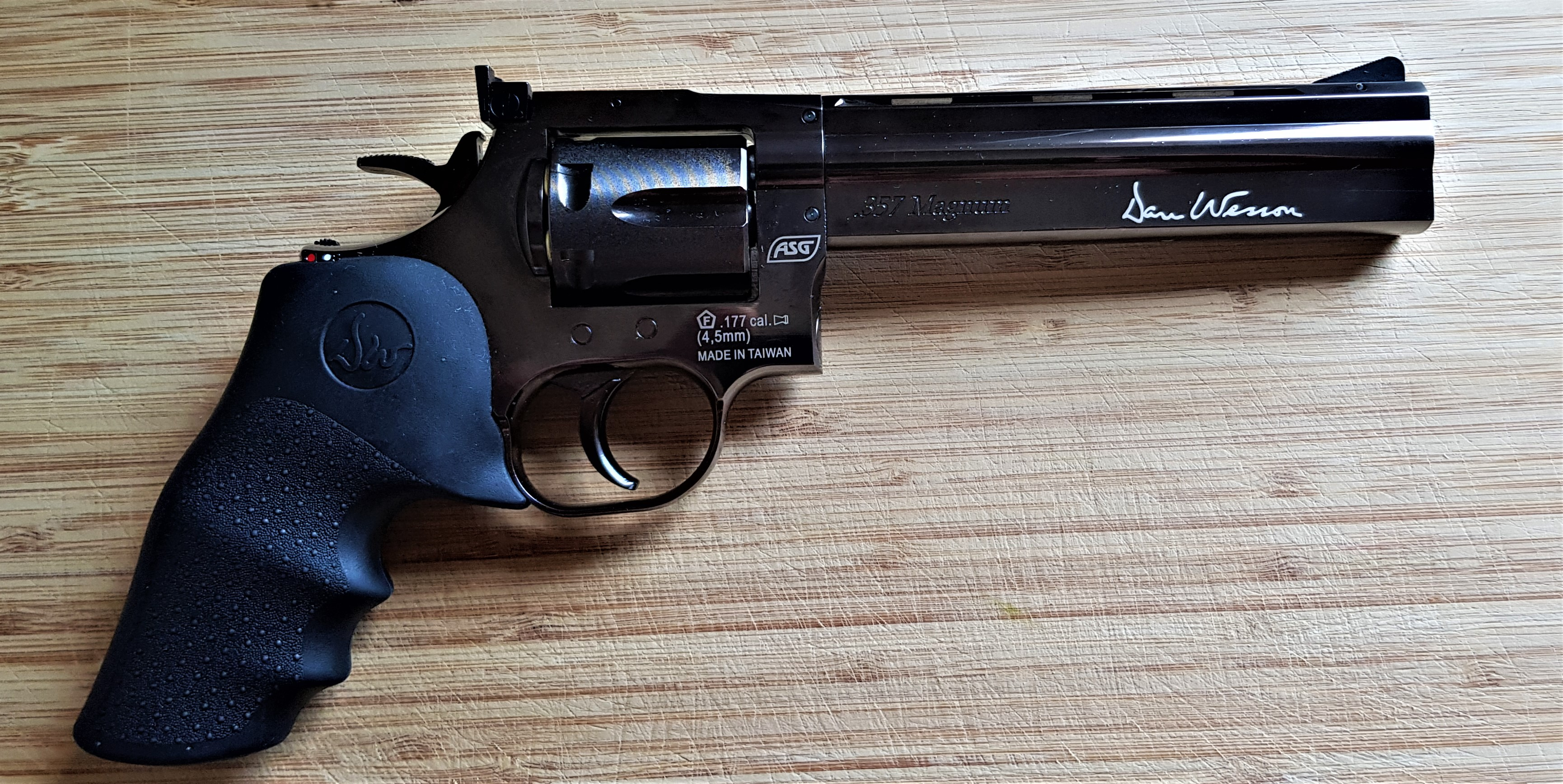 357 Magnum Revolver (Gas Prop)