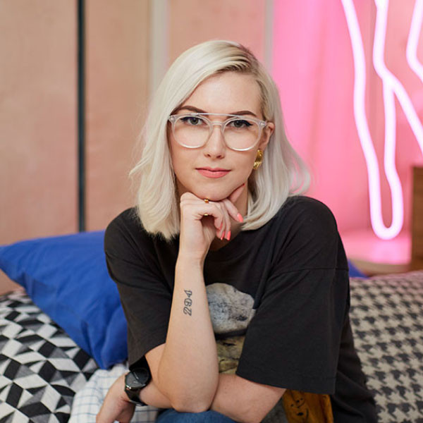 A no bull savvy entrepreneur giving women the resources they need to be their own boss