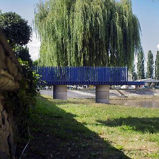 Befejezetlen híd