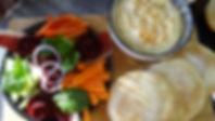 Houmous, pain pita et dips de légumes