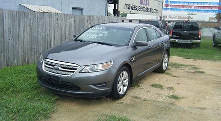 2011 Ford Taurus gray 001.JPG