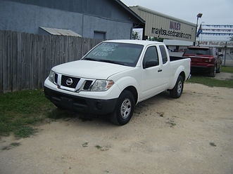 2015 Nissan Frontier ext cab white 001.J