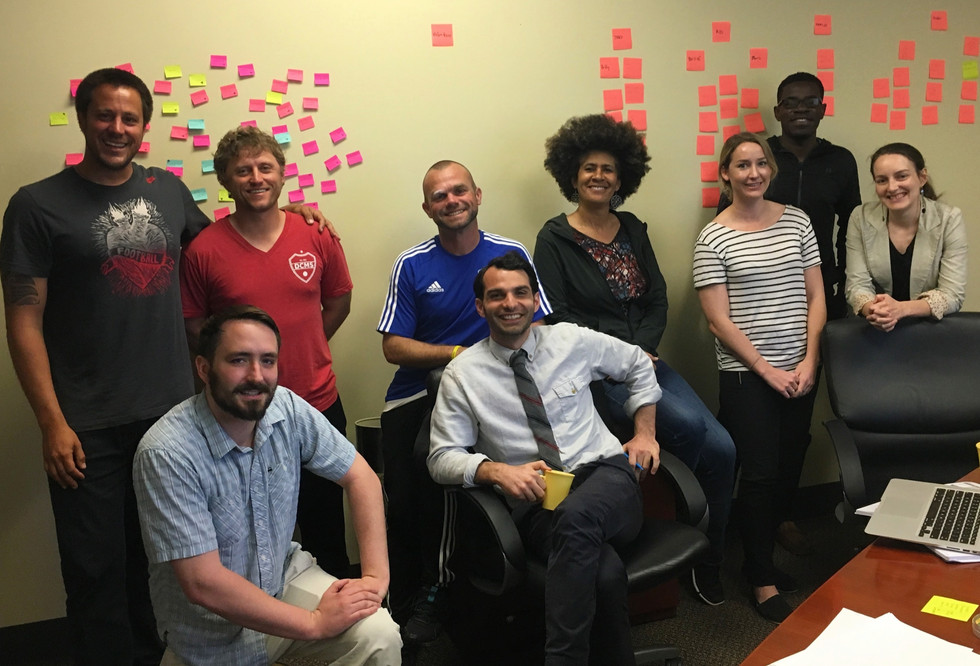 Posicionamento estratégico para Yalla, organização que promove inclusão de jovens refugiados nos EUA, através da educação e do esporte.   SAN DIEGO - CA - 2017