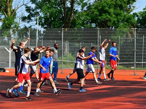 PZ: Lockeres Training zum Auftakt: TGS-Handballer starten in die Vorbereitung