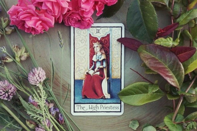 Ol English Tarot High Priestess