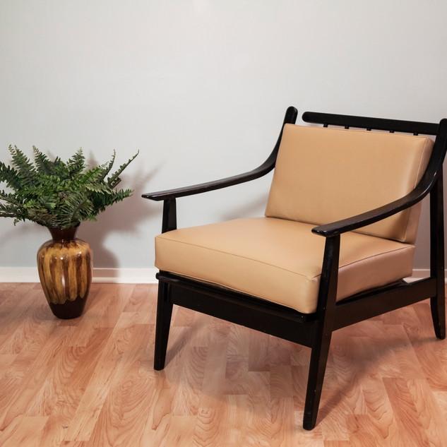 _vinyl black chair 3.jpg
