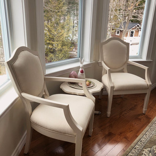 _whitechairs.jpg