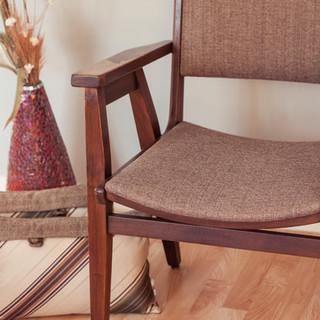 _chippy chair 2.jpg