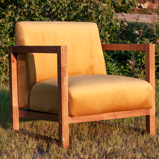 _gold chair front side.jpg