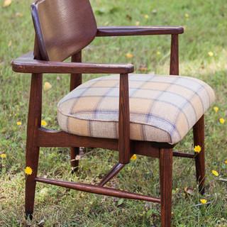 _krug chair side.jpg