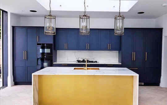 Brass/Blue Shaker Kitchen