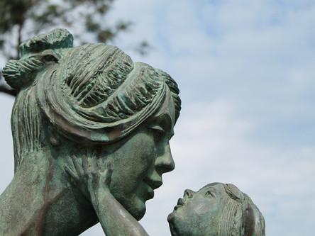 Damit die Mutter-Kind-Beziehung gelingt –Das Bauchbaby (8)