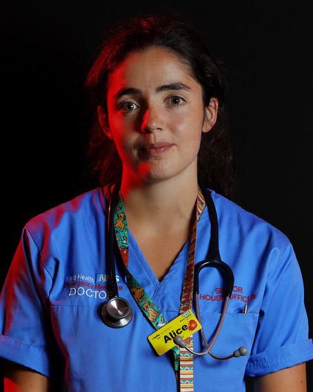 코로나 전사들의 새벽 4시... 병원 경비원이 보낸 감사 사진
