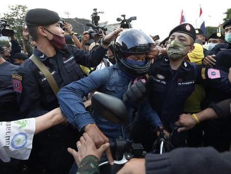 태국, 5인 집회금지에 보도지침까지…반정부 시위에 긴급칙령