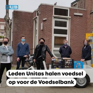 Leden Unitas halen voedsel op voor de Voedselbank