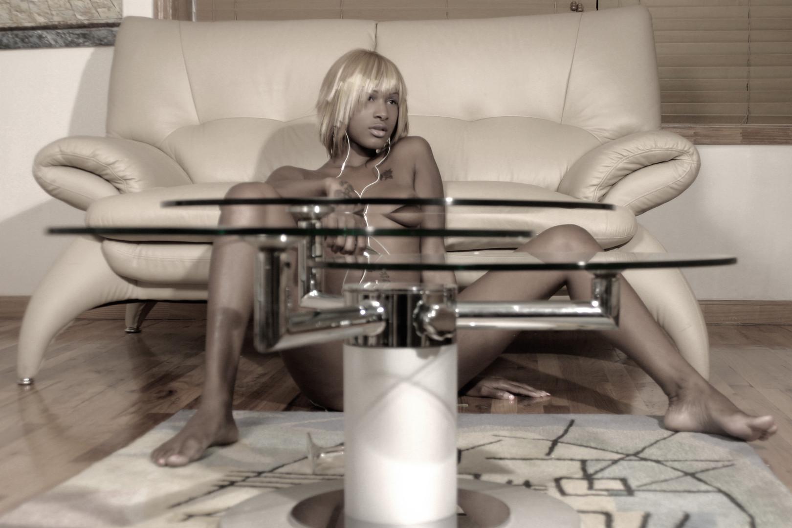 KRISSY SEXY MUSIC B-W