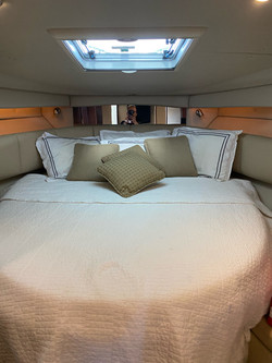bed-inside-a-boat