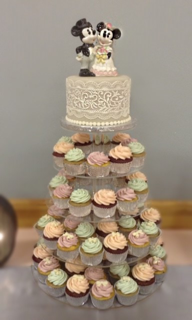Micky and Mini Wedding Cake and Cupcakes