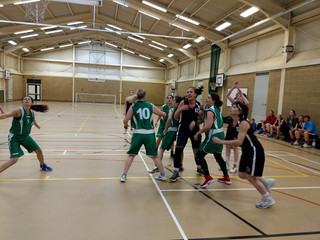 Women's basketball thriving in Oxfordshire - Witney vs Abingdon Jets