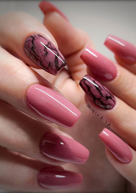 Be a part of a Gossip ♥️ #nails #intempo
