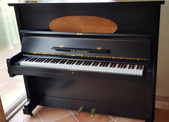 Klavier E.D. Seiler, Modell  , Eiche schwarz matt satiniert mit Oval Eiche natur