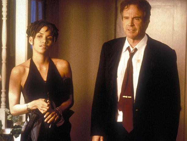Halle Berry e Warren Beatty em Politicamente Correto