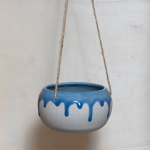 CERAMIC DRIPPY HANGING PLANTER (CLEAR SKY)