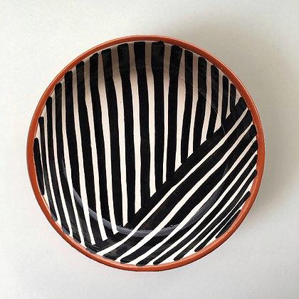 criss-cross bowls