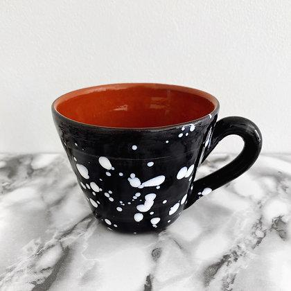 salpico tapered mug - black with white dots