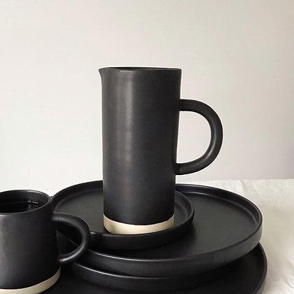 stoneware matte black - pitcher