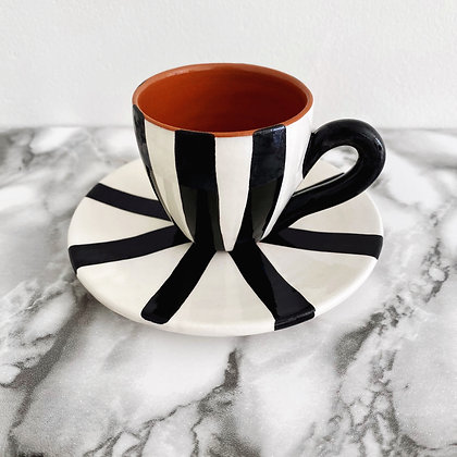 rounded espresso cup + saucer - vertical stripe