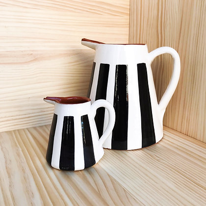 bold stripe pitcher