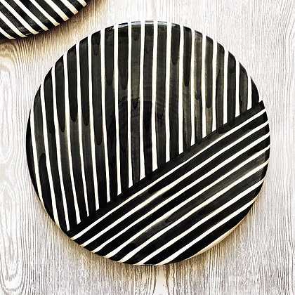 graphic platter - criss-cross