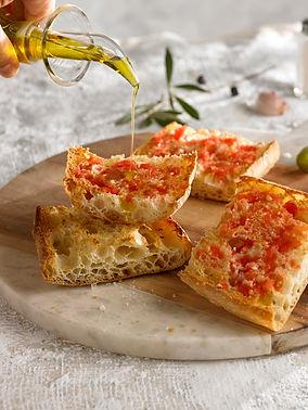 Receta sencilla y fácil para cualquier hora del día con aceite y tomate y pan Cristallino 100% natural