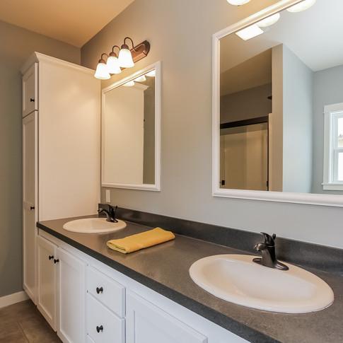010-Master_Bathroom-1405125-medium.jpg
