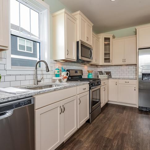 017-Kitchen-3113086-medium.jpg