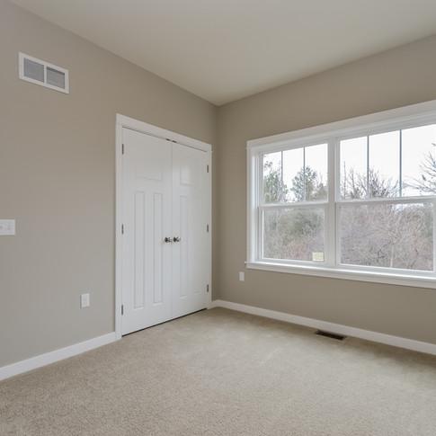 029-Bedroom-1511770-medium.jpg