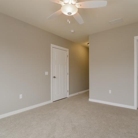 046-Bedroom-1511783-medium.jpg