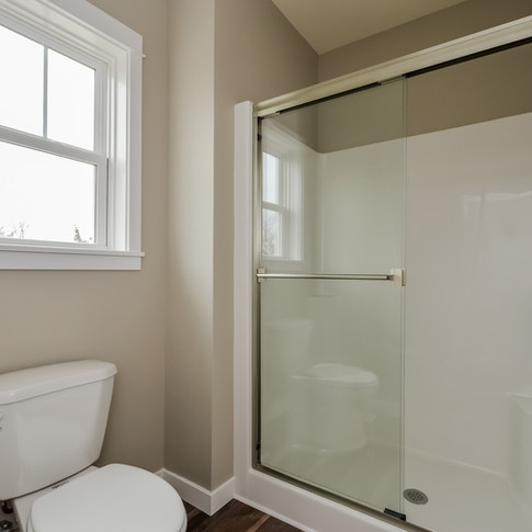 049-Bathroom-1511784-medium.jpg