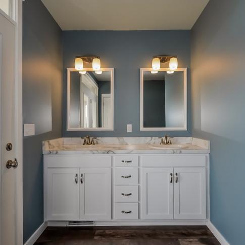 042-Master_Bathroom-1511790-medium.jpg
