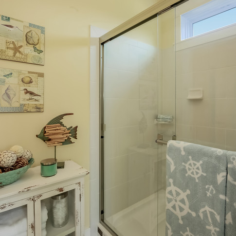 017-Bathroom-1980812-large.jpg